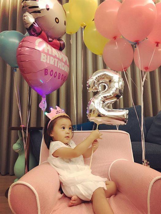 咘咘過2歲生日。圖/摘自臉書