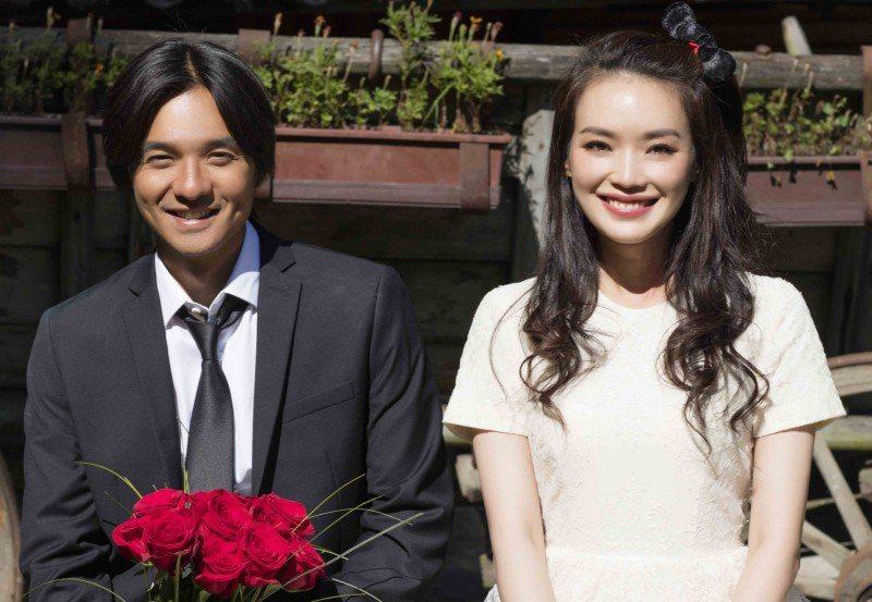 舒淇(右)與馮德倫(左)結婚已近1年。圖/摘自IG