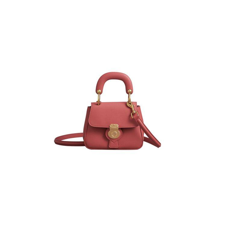The DK88花粉紅色迷你提柄包,售價48,000元。圖/BURBERRY提供