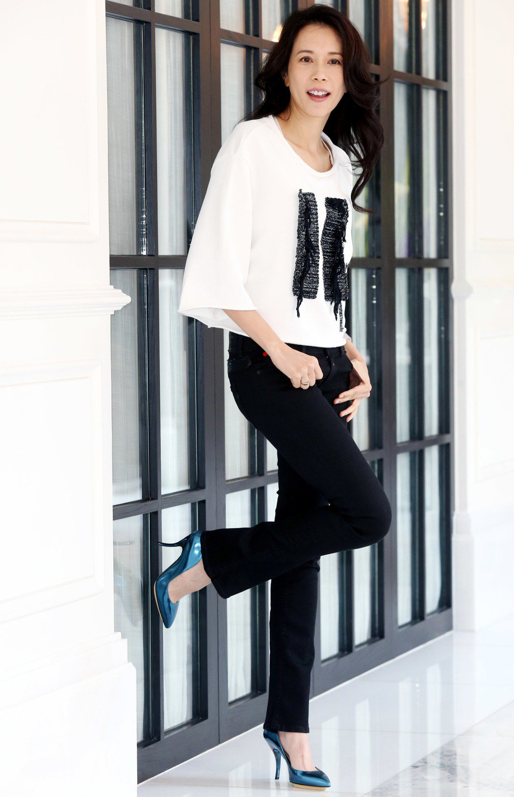 莫文蔚將為新歌「I do」性感登台  比基尼外搭牛仔褲造型現身。記者林俊良/攝影