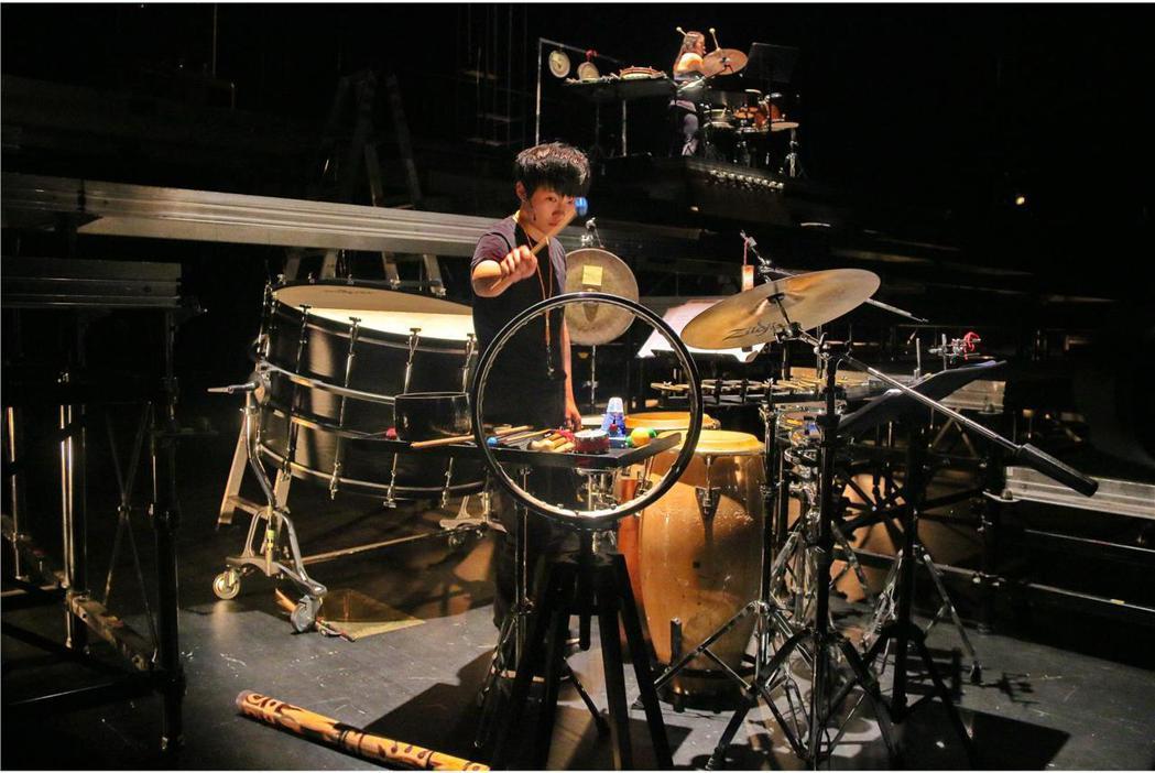 2017「新點子樂展」9月起將在國家兩廳院演出三檔作品,其中「遶境共聲」以台灣為...