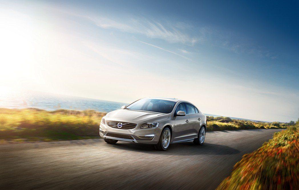 S60 T4 安全運動版也推出現金價149萬元的限時優惠。圖/國際富豪汽車提供