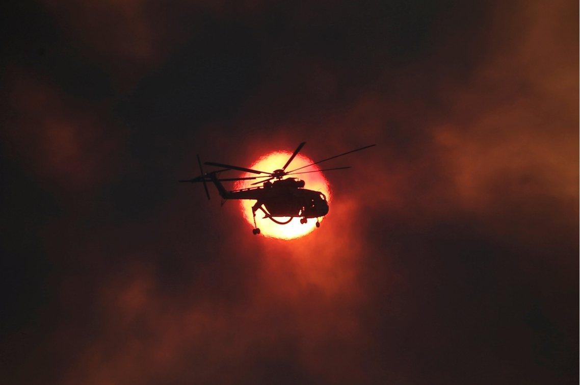 儘管配屬於希臘消防隊的俄製消防直升機Mi-26TP,足以酬載16-20噸消防水,...