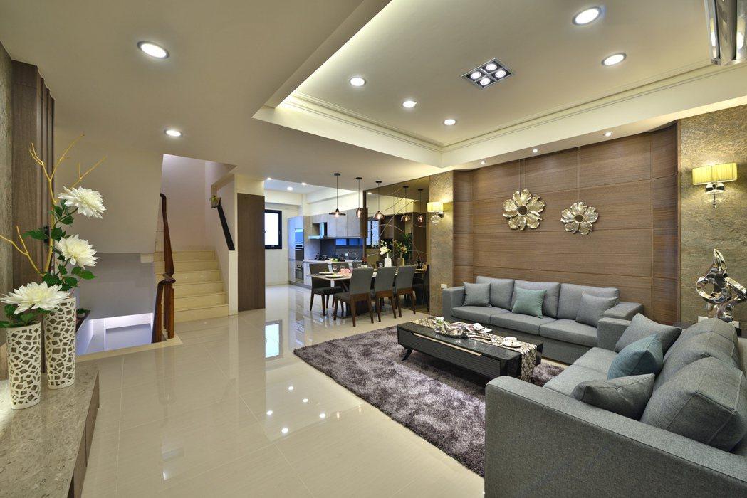 二樓為客餐廳,廚具是選配。 圖片提供/頂記建設