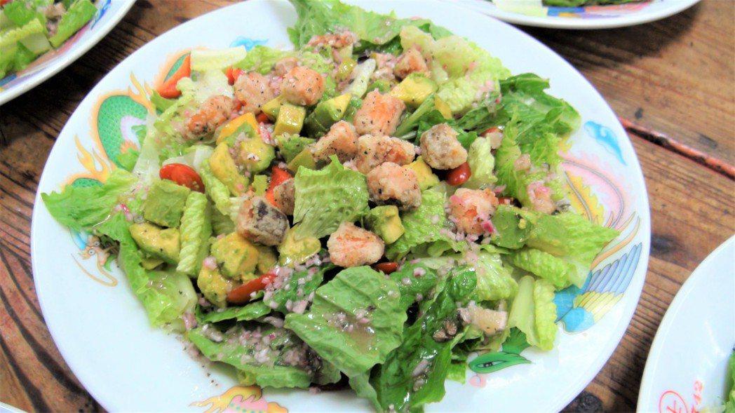 預防糖尿病,宋晏仁建議可將飲食習慣調整為「以蔬菜當主食」,也就是蔬菜占1/2、蛋...