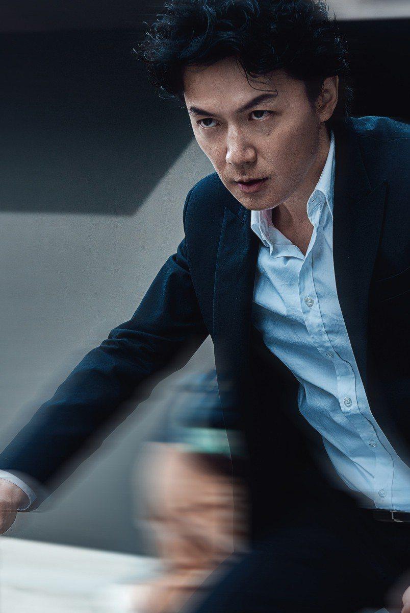 福山雅治演出「追捕」。圖/華映提供