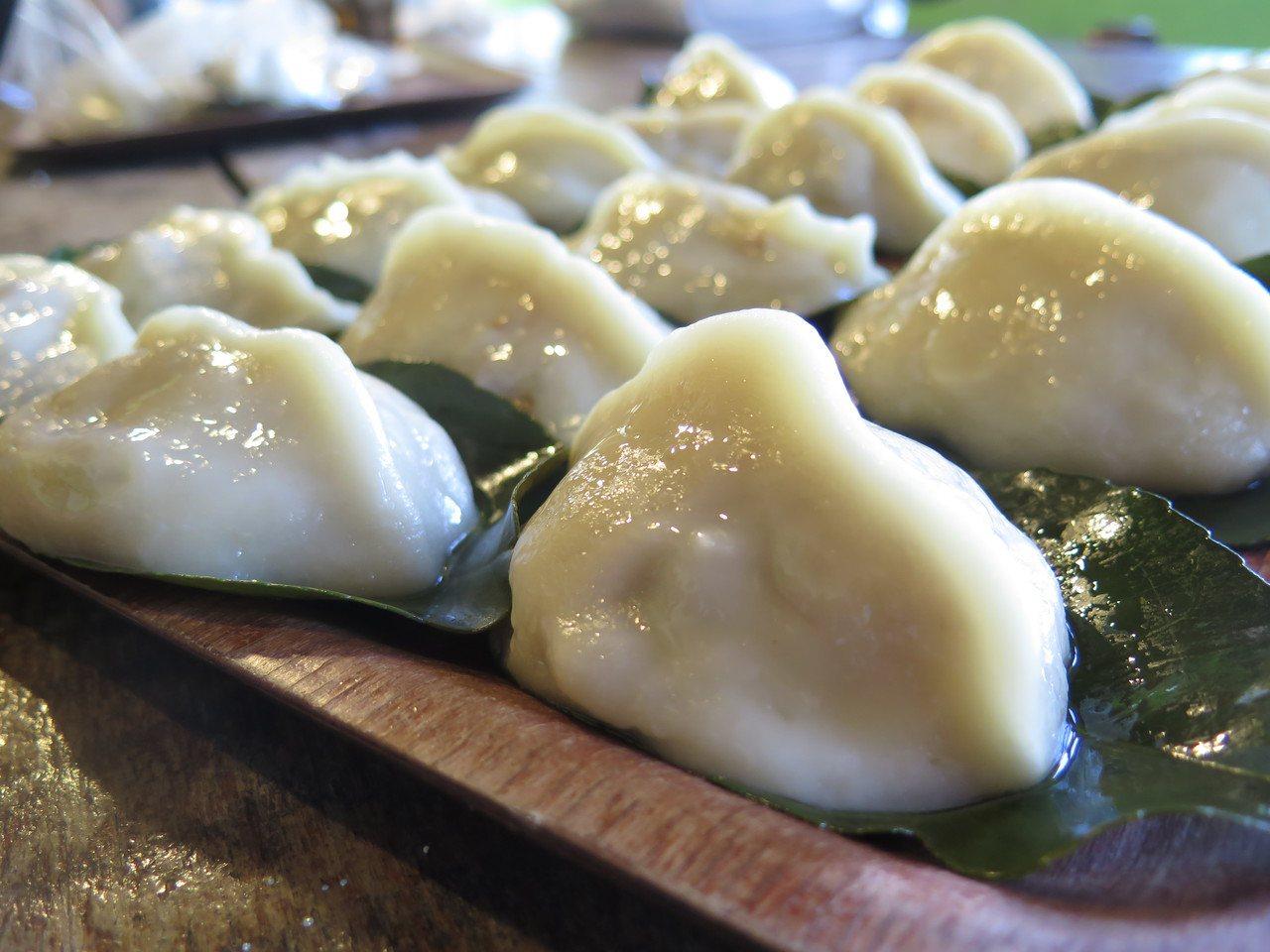 濃郁米漿做成外皮裹著鹹香多汁的蘿蔔絲。 記者徐庭揚/攝影