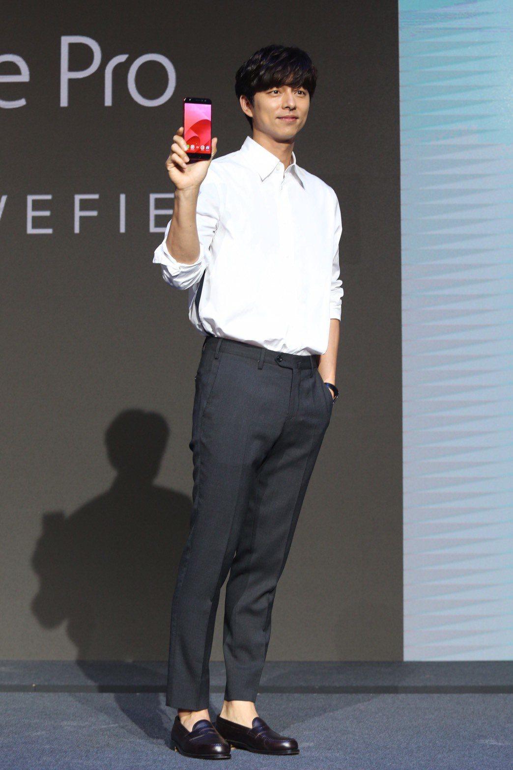 孔劉17日來台出席手機代言活動。記者林伯東/攝影