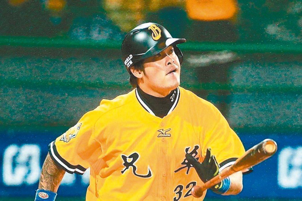 中華職棒兄弟隊主力球員林智勝等人正在放假,未隨隊練球,因此會不會與獅隊打季後賽,...
