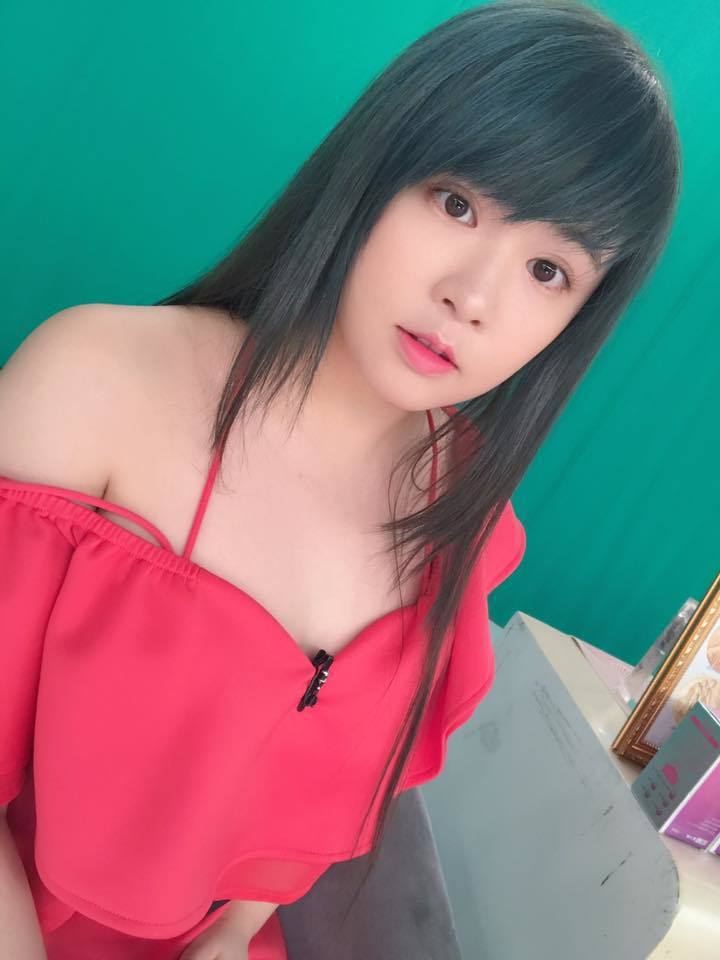 「小小瑜」張芯瑜年初坦承與圈外男友交往,還透露31歲要結婚。 圖/擷自臉書。