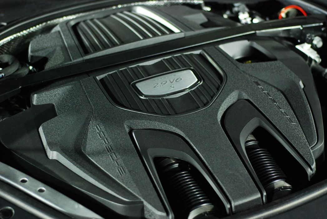 Panamera 4S Executive搭載2.9升 V6雙渦輪增壓引擎。記者林昱丞/攝影