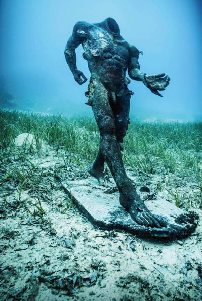 赫斯特還找來紀錄片團隊,拍攝這些寶物沉入海底與打撈的畫面。 記者陳宛茜/攝影