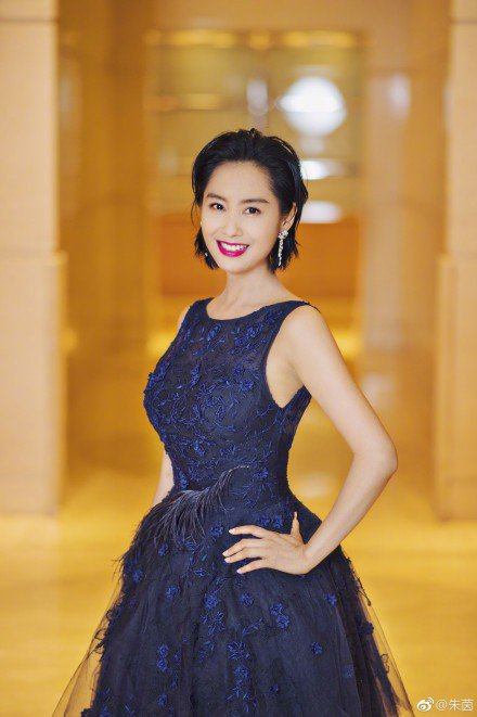 45歲朱茵依舊保養得宜。圖/摘自微博