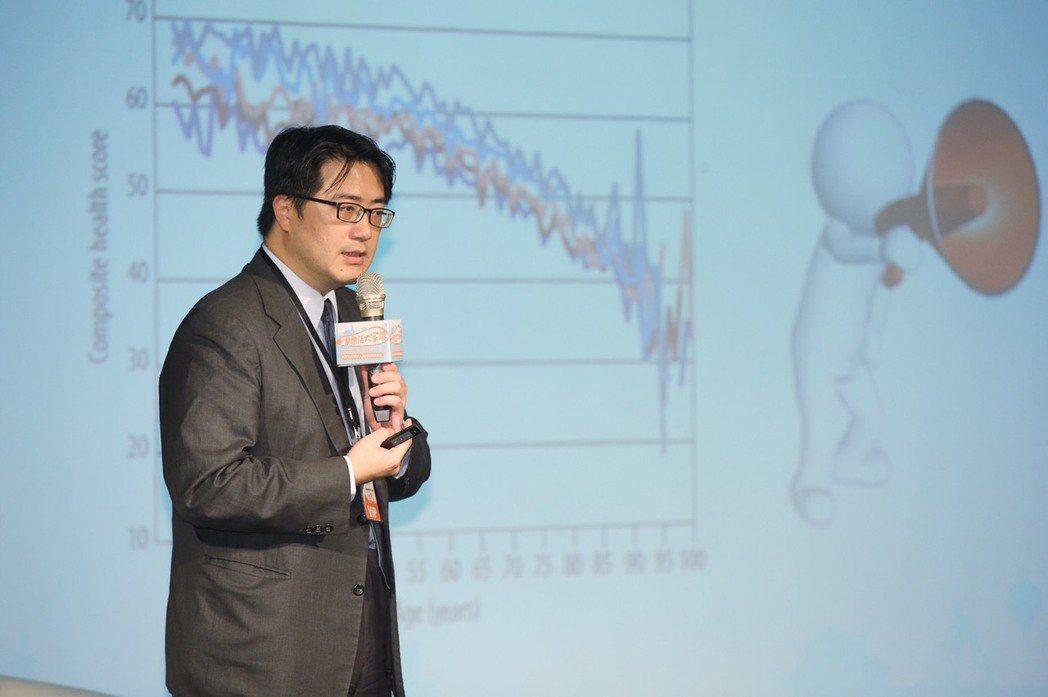 台北榮民總醫院高齡醫學中心主任陳亮恭指出,人們越來越長壽,世界趨勢是希望長者持續...