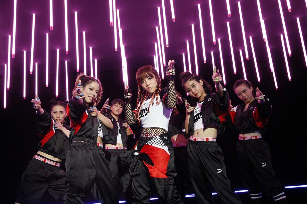 安那新歌「Party Crasher」釋出舞蹈版MV。圖/EMI提供