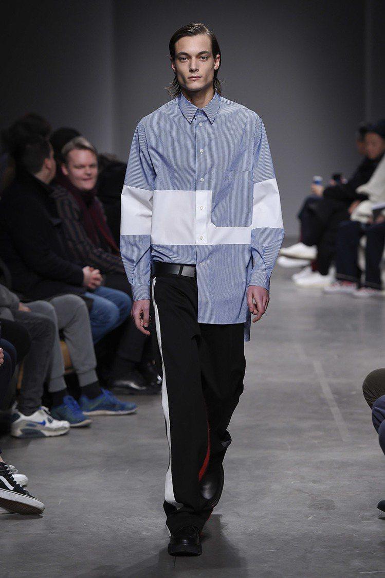 Ports 1961的2017秋冬系列藍白幾何拼接寬版襯衫、白色飾邊黑寬褲。圖/...