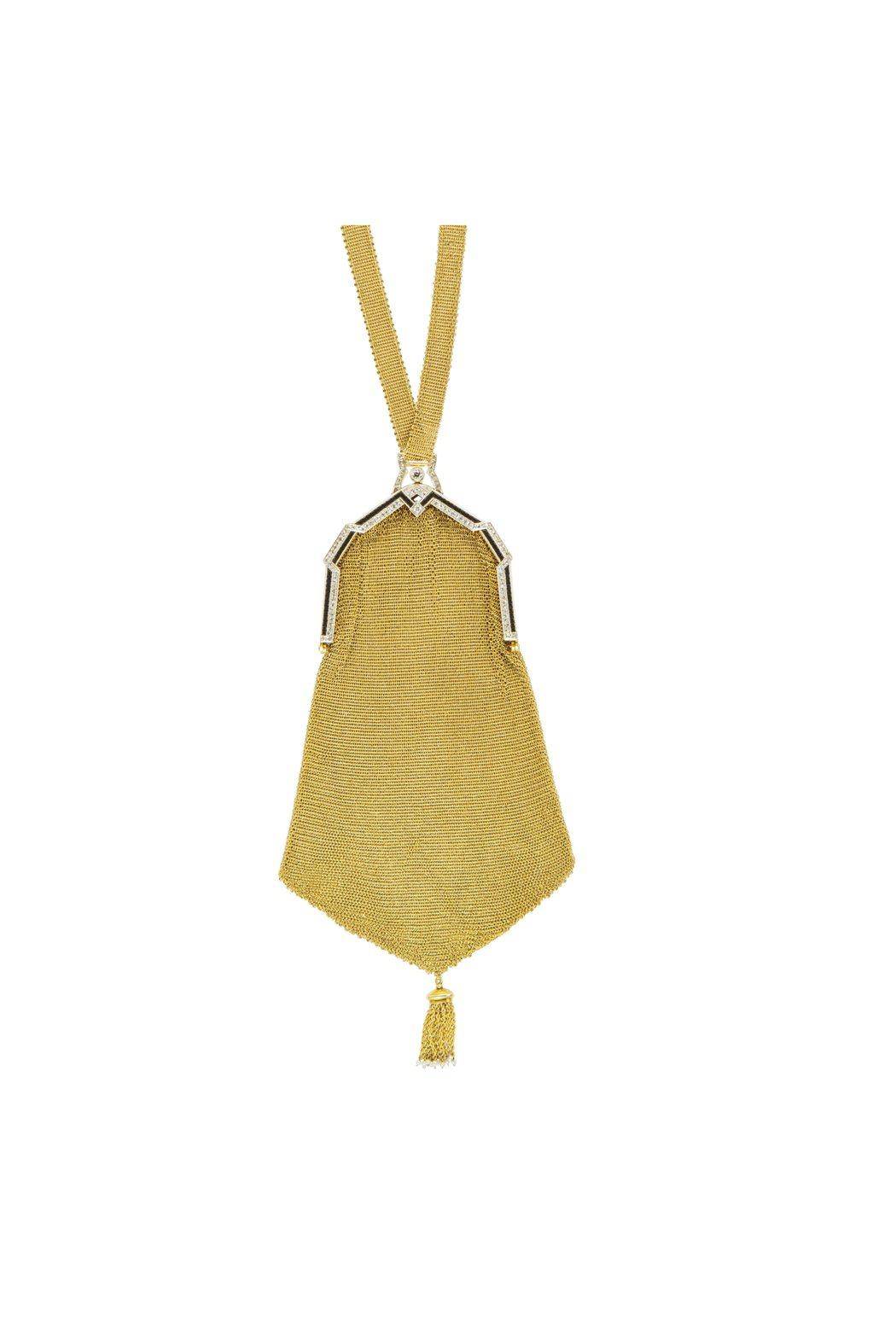 Tiffany手袋 (1925),使用黃金、鉑金、鑽石、珍珠與瑪瑙,網眼手袋在1...
