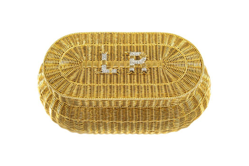 「Shrimp Basket」手袋 (1973),使用黃金、鉑金與鑽石,Jean...