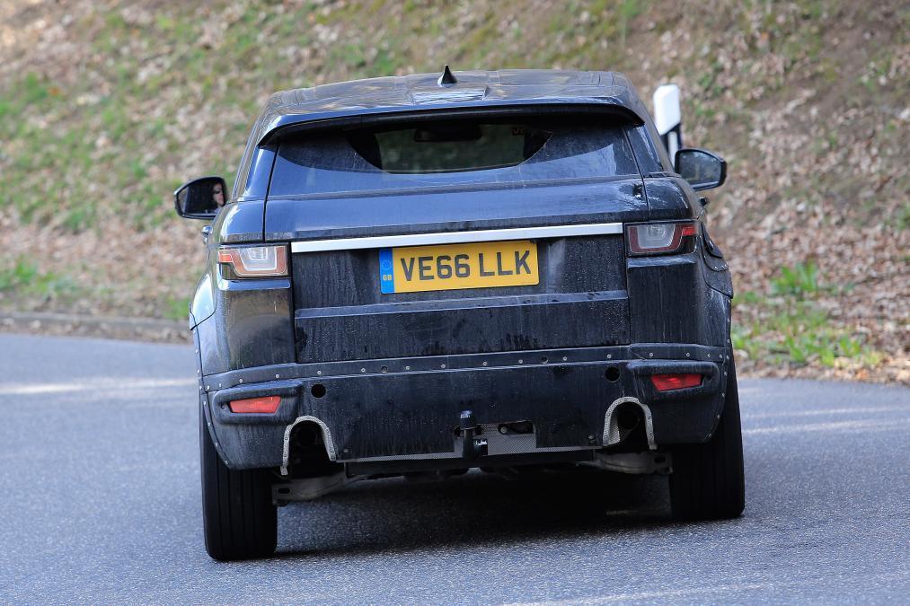 新一代Range Rover Evoque偽裝車。圖/摘自autoexpress.co.uk