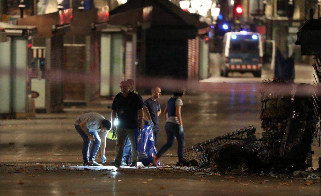 在第一時間,巴塞隆納慘案就被西班牙中央政府定調為「極端伊斯蘭所發起的恐怖行動」;...