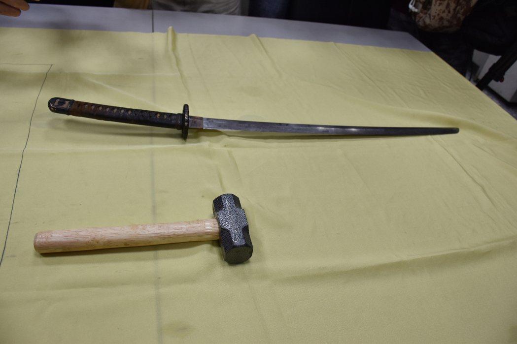 呂男砍總統府憲兵這把刀 竟是南京大屠殺日本軍刀!