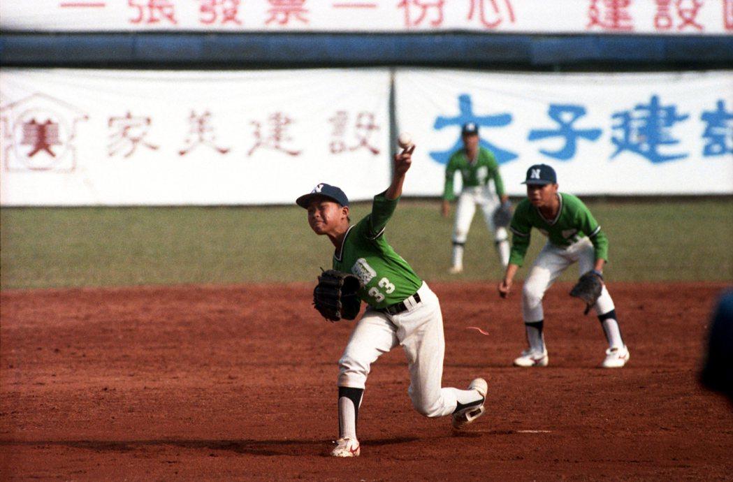 台南公園少棒隊1993年摘下中華杯全國總冠軍。 圖/本報資料照片
