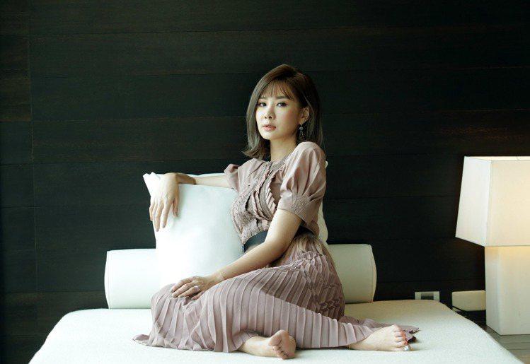 安心亞穿Bottega Veneta粉紫色洋裝與耳環。記者陳瑞源/攝影