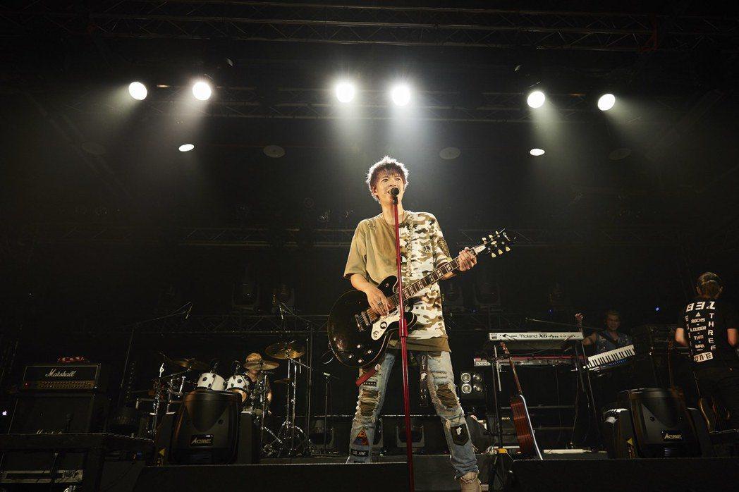八三夭舉行10年生日慶演唱會。圖/滾石提供