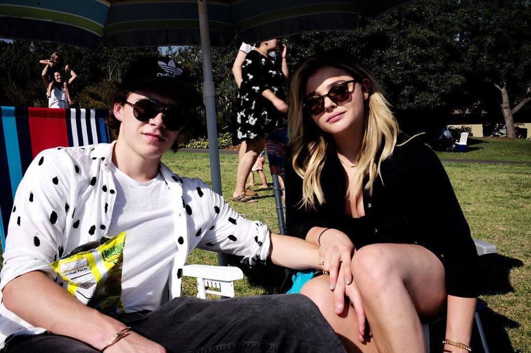 布魯克林貝克漢與克蘿伊摩蕾茲分分合合,近日又傳復合。圖/摘自Instagram