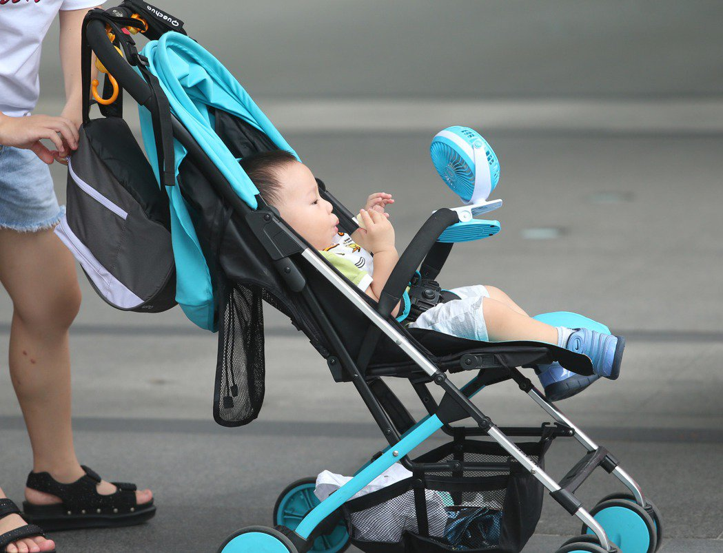孩子的哭聲,是媽媽泌乳的最佳刺激。 聯合報系資料照