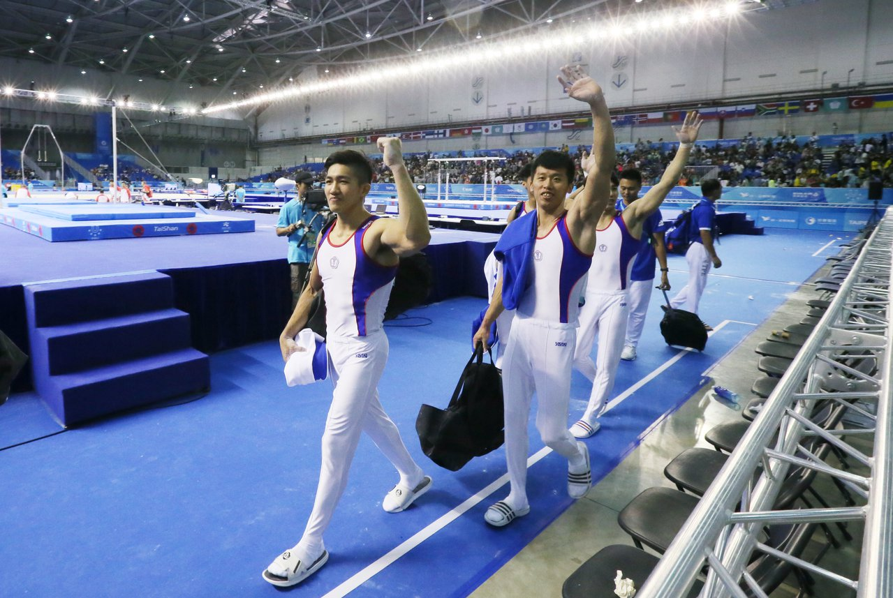 世大運昨天在南港展覽館舉辦男子團體競技體操項目。記者許正宏/攝影