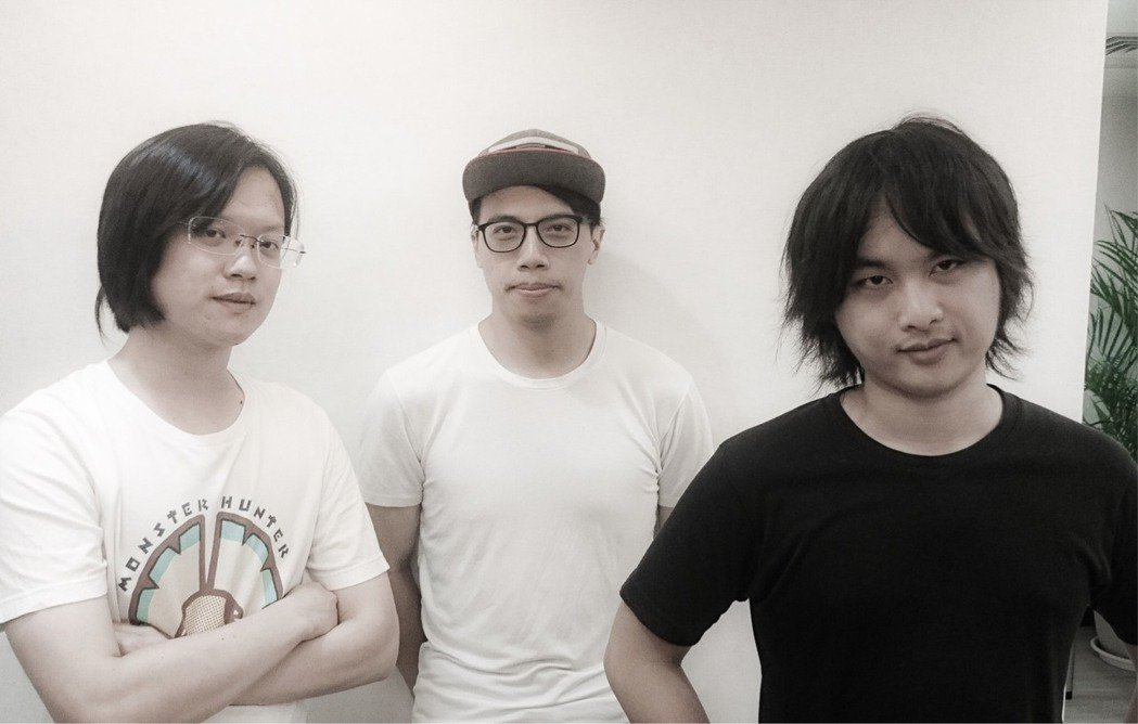 (由左至右)開發者簡伯崴、王雍、許哲瑋表示,平常投入在手邊的工作與專案裡面,常常...