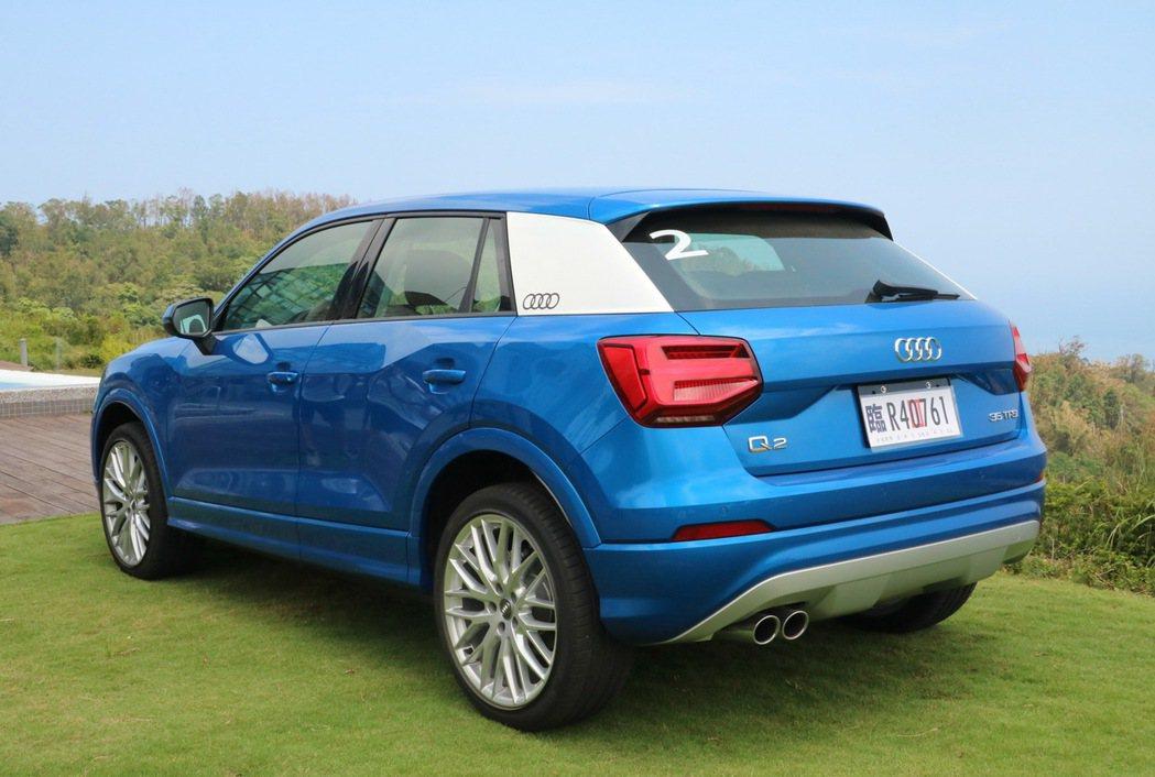 Audi Q2的C柱可客製化喜愛色彩。 記者史榮恩/攝影