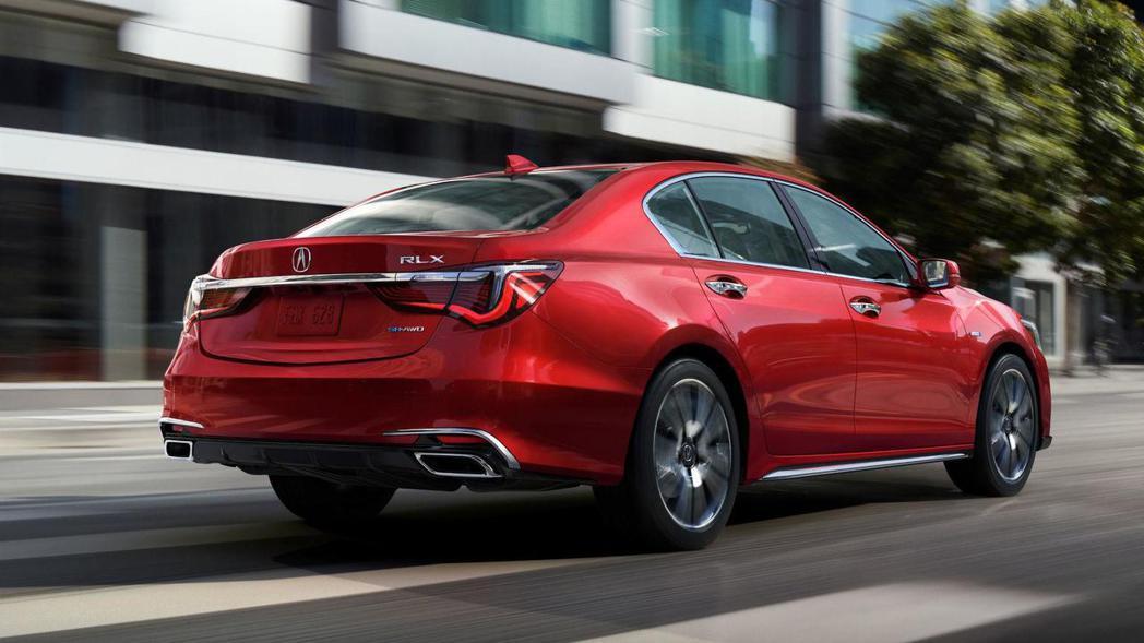 車尾保桿擁有下擾流設計,搭配雙出方型尾管,運動感十足。 圖片摘自:Acura