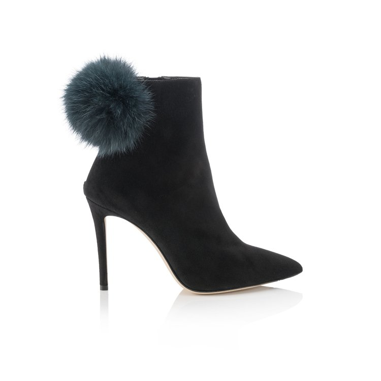 Tesler黑色毛球高跟短靴,46,800元。圖/Jimmy Choo提供