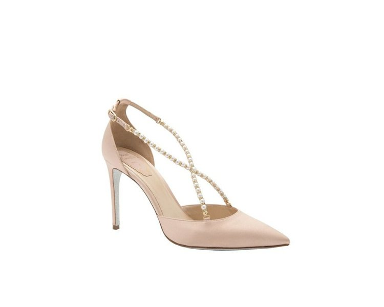 RENE CAOVILLA米色緞面珍珠鑽砂高跟鞋,售價23,000元。圖/REN...