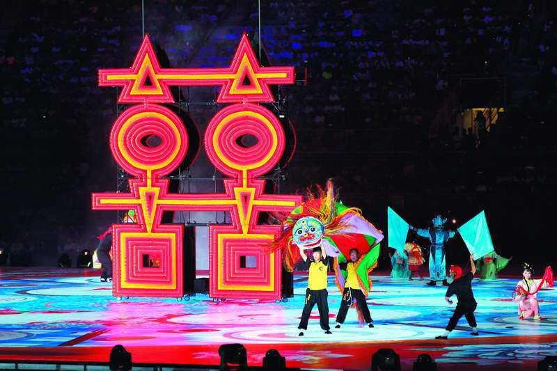 開幕式的科技歌舞表演,流程順暢。 攝影/郭晉瑋