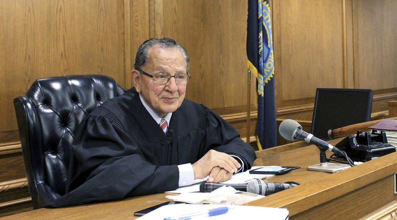 卡普里歐法官審案的情形。美聯社