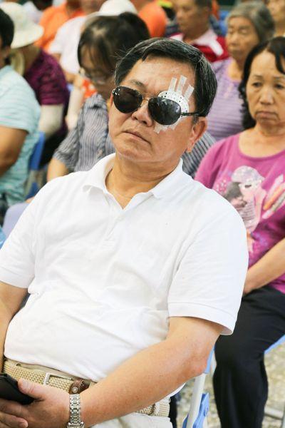 嘉義縣長陳明文蒙古拚外交,左眼視網膜剝離開刀治療。記者卜敏正/攝影