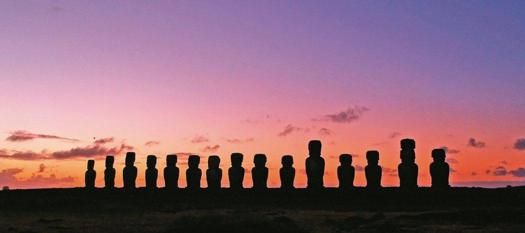 以巨石像聞名的復活節島,乃是南美代表性景點之一。 圖/格林旅遊