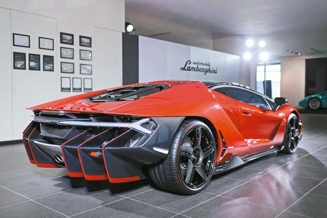 全球限量20部、台灣唯一的Lamborghini Centenario珍稀超跑。...
