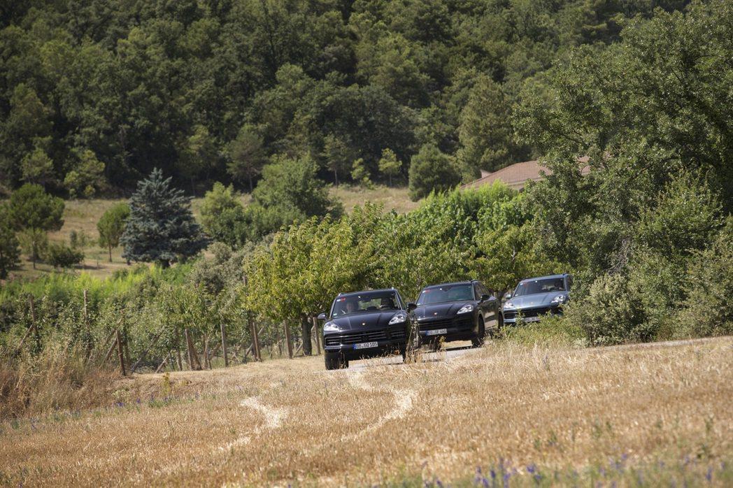 全新Cayenne原型車在西班牙接受測試。圖/Porsche提供
