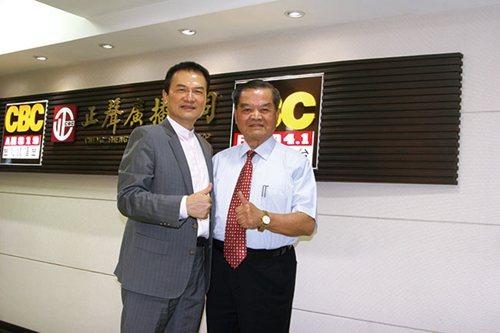 理財周刊發行人洪寶山(左)、朝春集團副總裁邱明正(右)