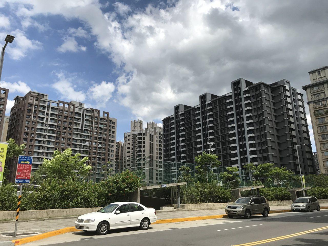 網友在Ptt發文問說,幾年後房東會跪求老人租房,引發熱烈討論。記者游智文/攝影