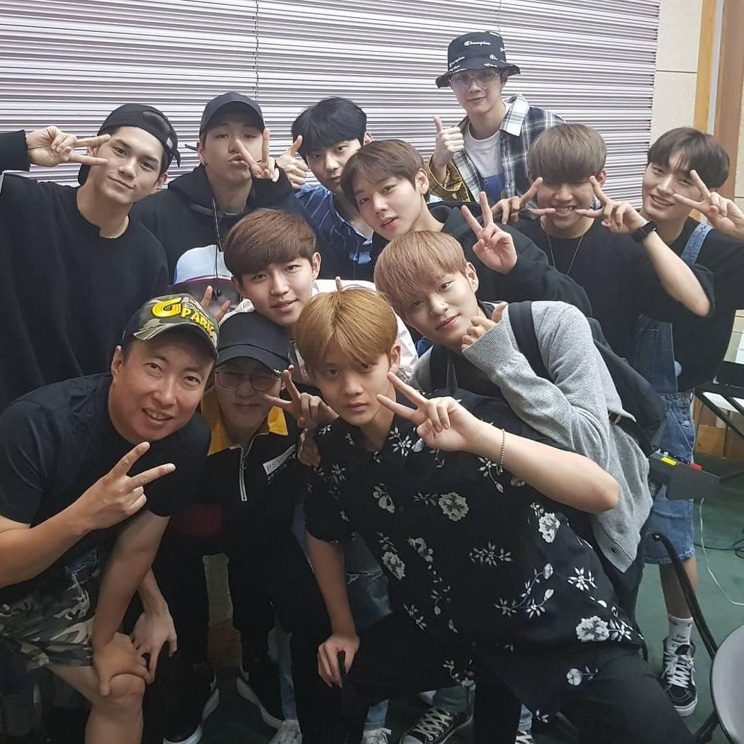 男團Wanna One去上朴明秀的廣播節目。圖/摘自IG