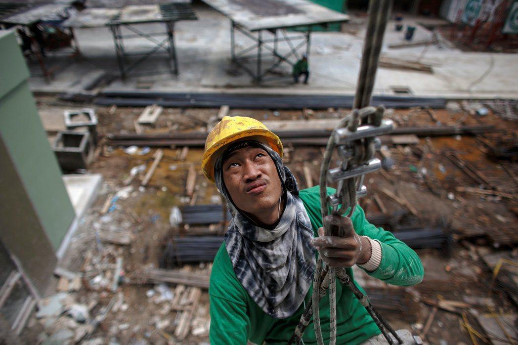 單就勞動生產力來說,泰國具有優勢,但這是各產業的管理與作業線上的訓練之功,在學校...