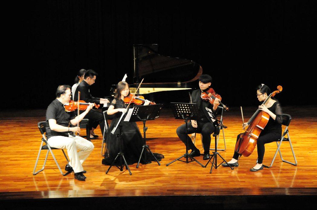 靜宜大學近日舉辦國際音樂節,邀請許多樂團到校演奏。圖/靜宜大學提供
