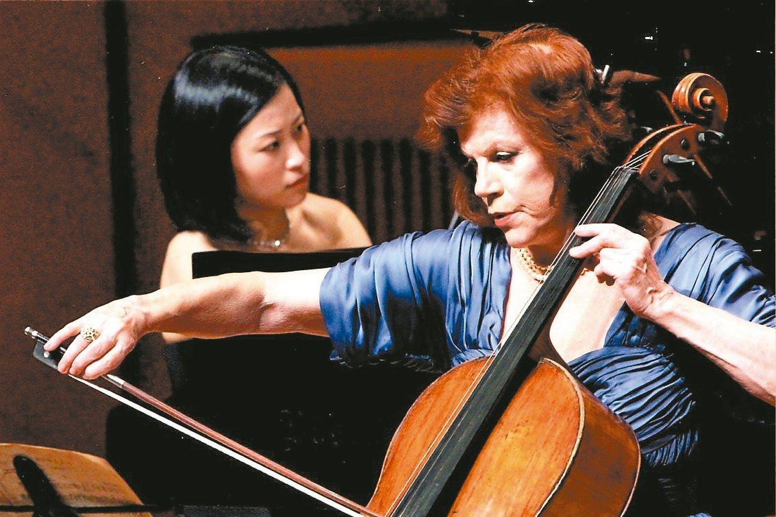 大提琴女神瓦列芙斯卡與鋼琴家福原彰美 Akimi Fukuhara。 圖/主辦單...