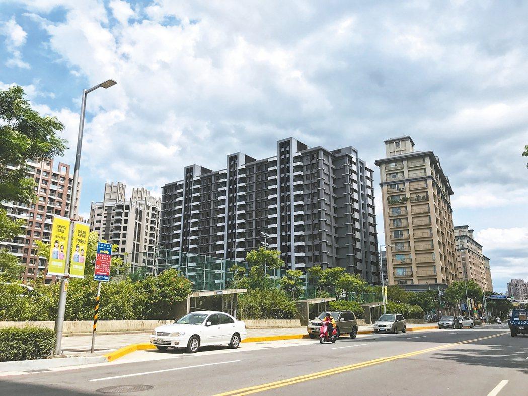 淡海新市鎮房市近來明顯回穩,指標建案的來客數有增加趨勢。 記者游智文/攝影