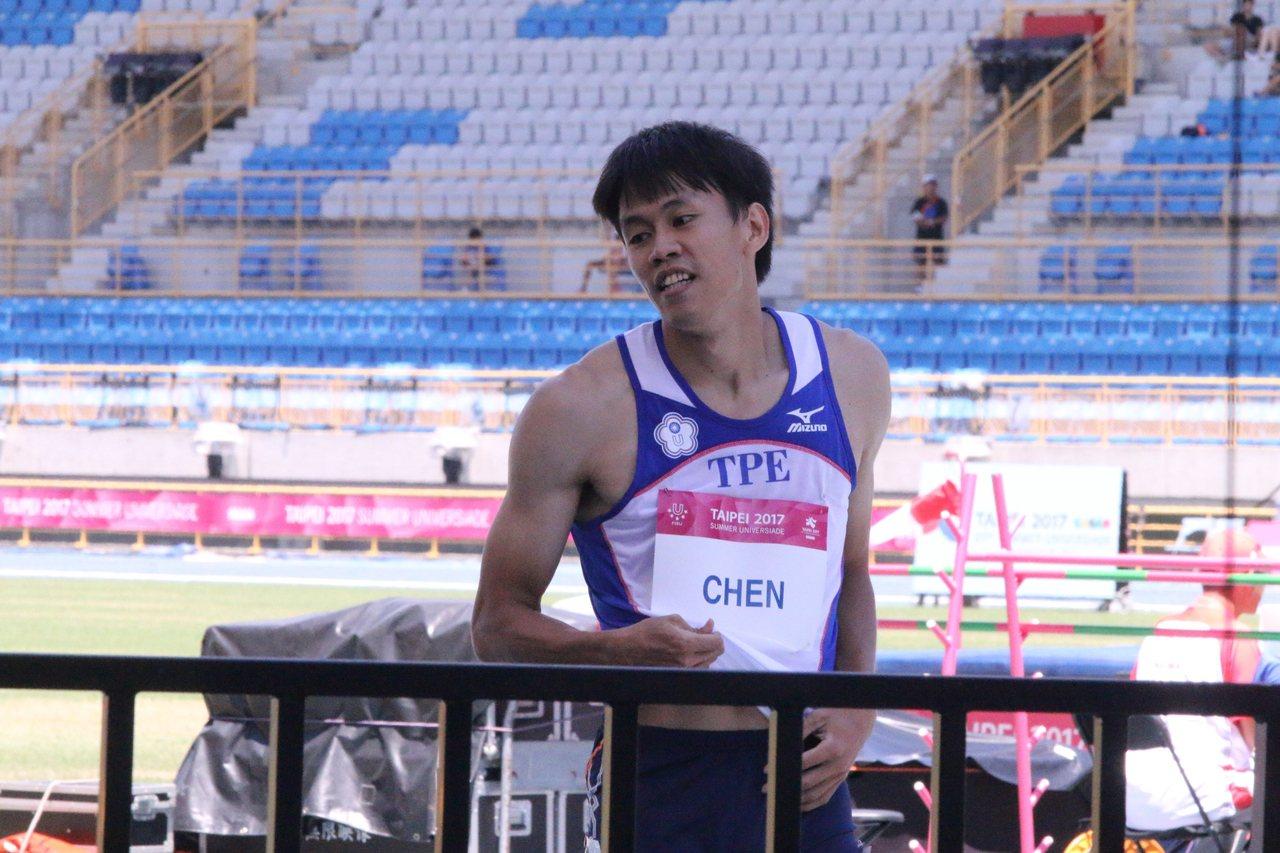 陳奎儒在男子110公尺跨欄預賽跑出總成績第一名的13秒74順利晉級。記者劉肇育/...